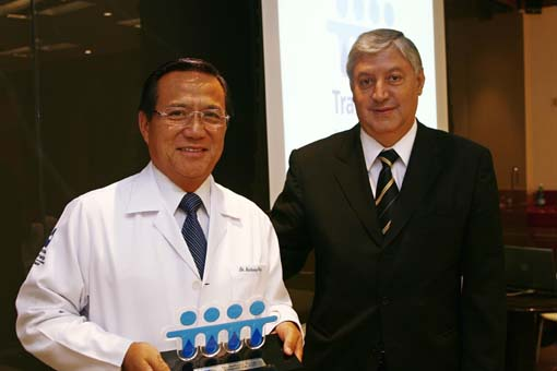Dr. Anthony Wong e Carlos Tieghi